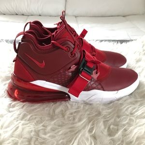 Men's Nike Air Force 270 sneakers size 11 team red